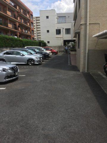 東区 マンション駐車場 アスファルト舗装工事 完了しました。