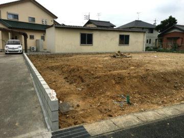 刈谷市の宅地造成工事 左側