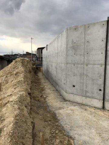 東海市の擁壁工事が完了しました。